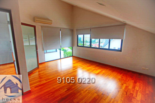 6 Bed, Modern House with Pool Hillview Area