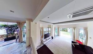 Vanda Rd Living Room