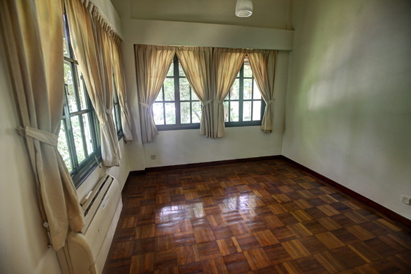 Bungalow at Holland V, Leedon Road for rent