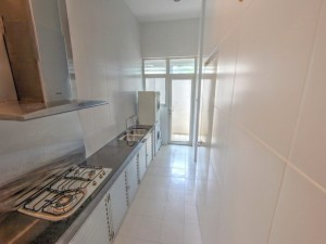 Namly Crescent Semi-Detached House with Pol for Rent. 5 Bed