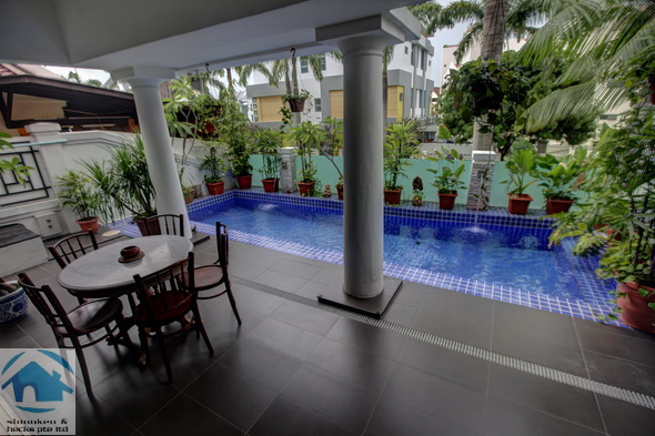 Park Villas Rise – Corner Terrace with Pool