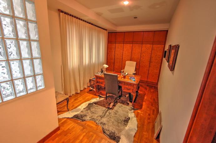 Bungalow Sixth Avenue 5 Bedroom, Pool Rent
