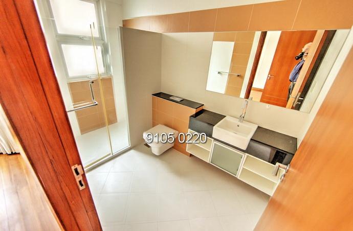 7 Bedroom House near Australian School
