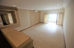 Beaverton Court Freehold Condo 3 Bedroom for Sale