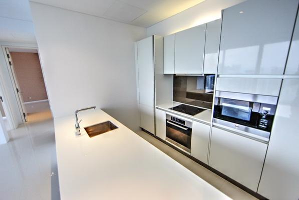 Scotts Square Apartment kitchen