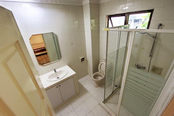 Eng Kong Garden Bungalow 7 Bedroom rent
