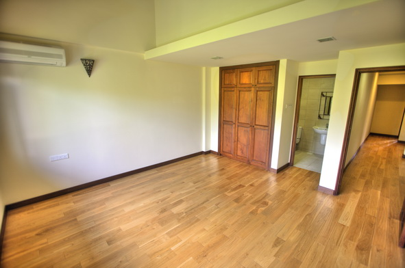 Sunset Way terrace Semi D House for Rent (10)