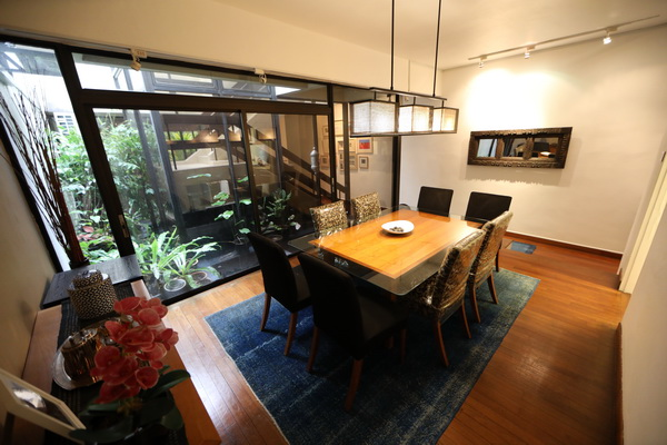 Dining Thomson View Rent (4)