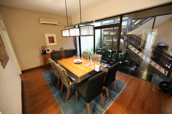 Dining Thomson View Rent (6)