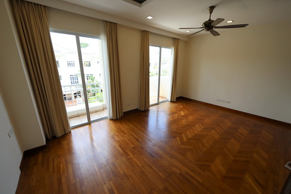 Terrace House in Greenwood Ave for rent