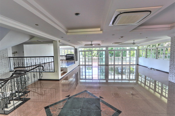 Bungalow for Rent sixth avenue, eng Neo