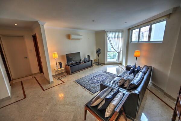 Living room Leedon 2