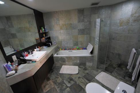 woollerton Park (master bath)